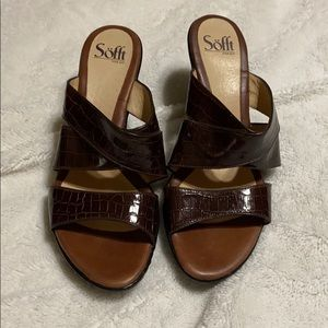 Women's Sandals. New Condition